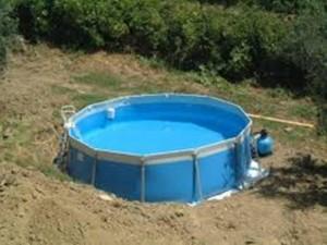 Round pool 1